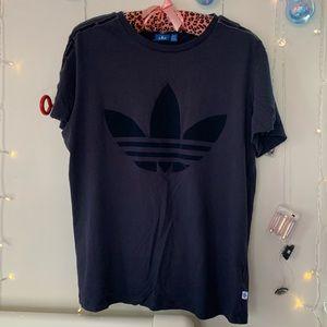Adidas tee like new